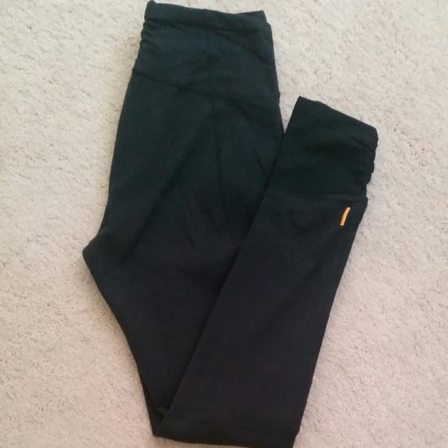 Item - Daily Black with Cute Ruching Mesh At The Ankle. Ruching On Back Waistband. I Love The Medium Thickness. Girl Yoga From Lucy.. In Excellent Condition. Activewear Bottoms Size 2 (XS, 26)