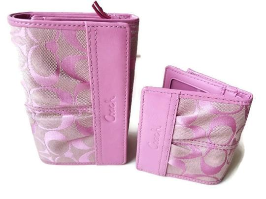 Preload https://img-static.tradesy.com/item/25600237/coach-soho-pleated-compact-f42817-and-mini-wallet-f42815-pink-canvas-and-leather-clutch-0-0-540-540.jpg