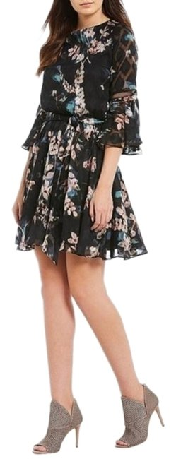 Preload https://img-static.tradesy.com/item/25600306/vince-camuto-pink-black-floral-bell-sleeve-chiffon-mid-length-workoffice-dress-size-6-s-0-1-650-650.jpg