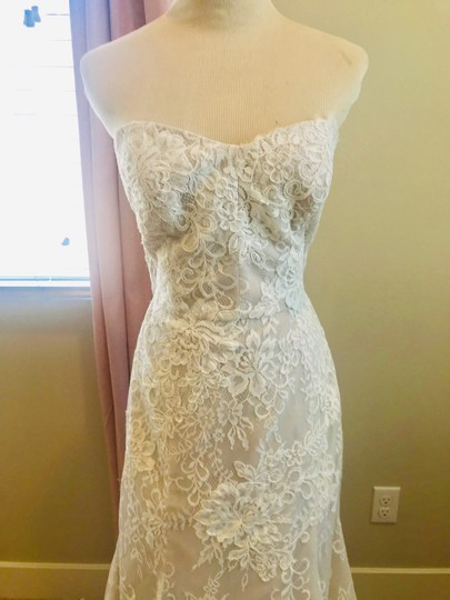 Bliss by Monique Lhuillier Lace Gown Formal Wedding Dress Size 10 (M) Image 1