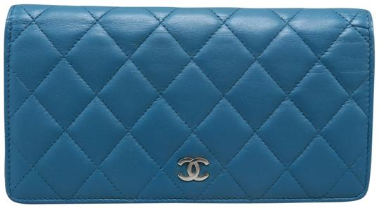 Preload https://img-static.tradesy.com/item/25600866/chanel-darkturquoise-quilted-cc-yen-wallet-0-1-540-540.jpg