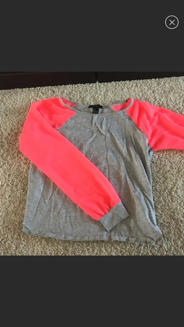 Forever 21 T Shirt grey pink Image 1