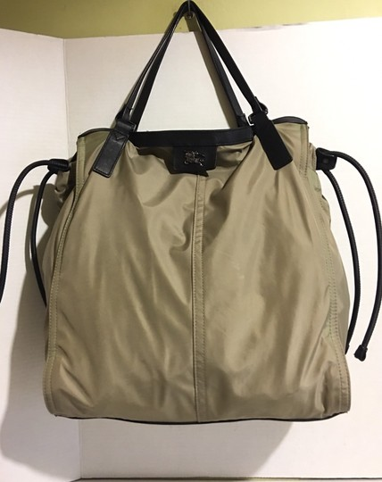 Burberry Tote in beige/ taupe Image 7