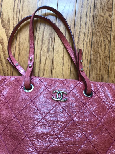 Chanel Leather Silver Hardware Tote in Pink Image 2