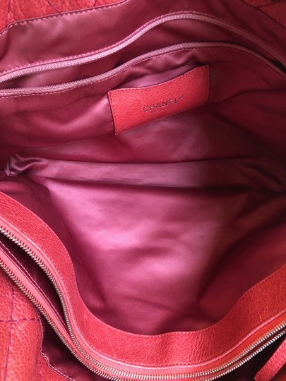 Chanel Leather Silver Hardware Tote in Pink Image 9