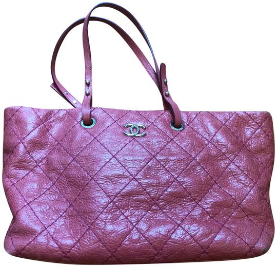 Preload https://img-static.tradesy.com/item/25602941/chanel-shopping-quilted-pink-leather-tote-0-1-540-540.jpg