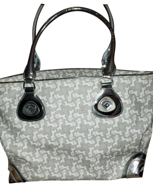 Item - Vintage Horse Carriage Silver and White Patent Leather Tote