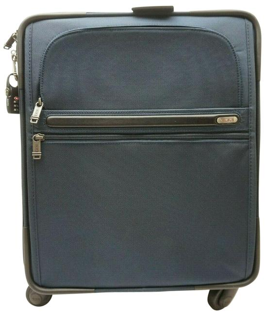 """Item - 22061nvop 4-wheel Continental Expandable 21"""" Carry-on Suitcase Navy Bl Blue Nylon Weekend/Travel Bag"""
