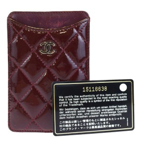 buy popular 715f4 e9132 Chanel iPhone Cases - Up to 70% off at Tradesy