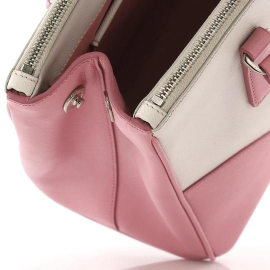 Prada Leather Tote in pink and white Image 5