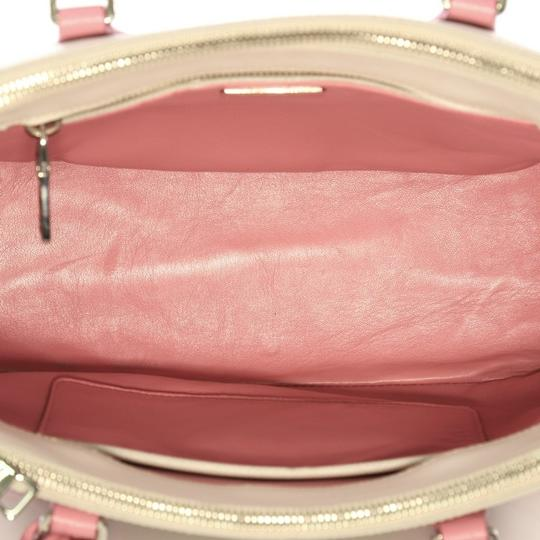 Prada Leather Tote in pink and white Image 9