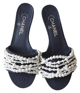 Chanel Peal Slide Sandals Flats Thong Black Mules