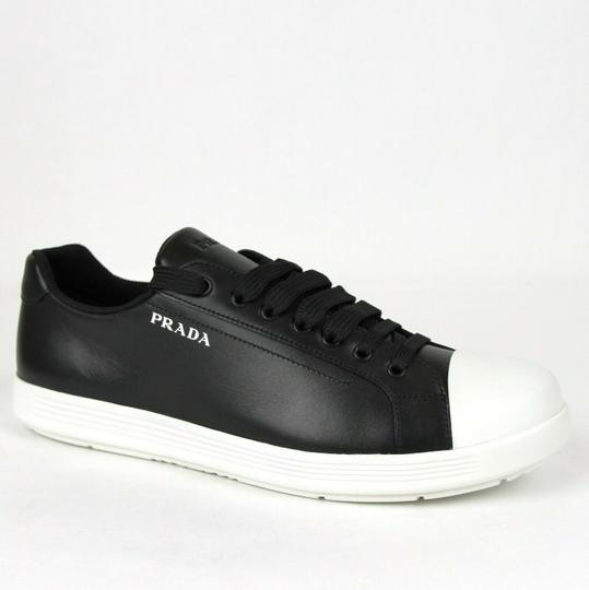 Preload https://img-static.tradesy.com/item/25610325/prada-blackwhite-sneaker-with-rubber-sole-and-printed-logo-uk-7us-8-4e3339-shoes-0-0-540-540.jpg