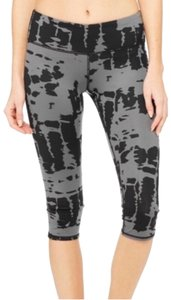 Alo 'Airbrushed' Performance Yoga Legging Capris