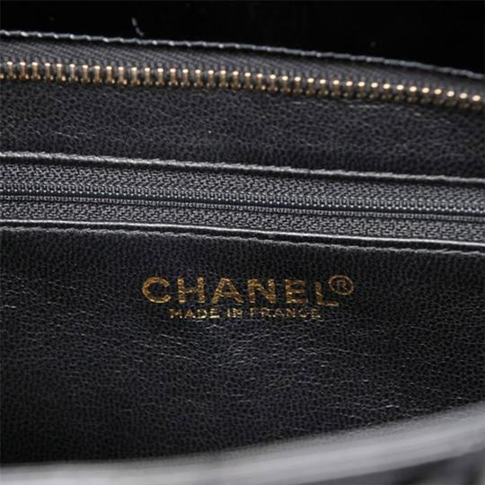Chanel Medallion Vintage Patent Leather Tote in Black Image 4