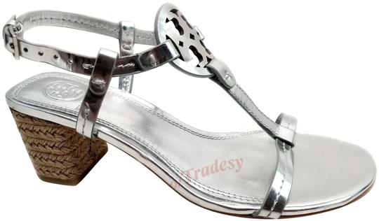 Preload https://img-static.tradesy.com/item/25610835/tory-burch-silver-metallic-espadrille-sandals-size-us-7-regular-m-b-0-1-540-540.jpg