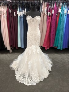 Mori Lee Ivory/ Light Gold Lace and Tulle 2804 Modern Wedding Dress Size 12 (L)