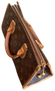 Louis Vuitton Satchel in brown.