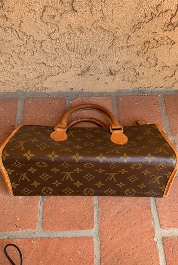 Louis Vuitton Satchel in brown. Image 2