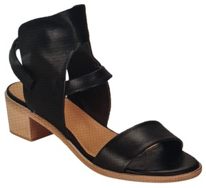 Coclico Black Sandals