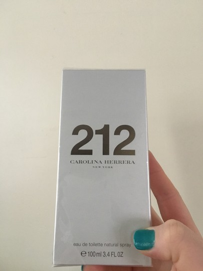 Carolina Herrera CAROLINA HERRERA 212 Eau de Toilette Natural Spray 3.4oz Image 2