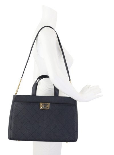 Chanel Calfskin Leather Gold Hardware Tote in Blue Image 10
