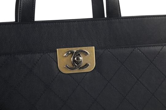 Chanel Calfskin Leather Gold Hardware Tote in Blue Image 5