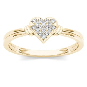 Elizabeth Jewelry 10Kt Yellow Gold Diamond Engagement Heart Ring