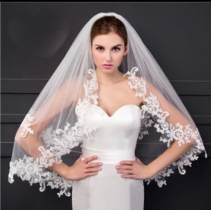 Short White/Ivory Elbow Length with Comb Bridal Veil