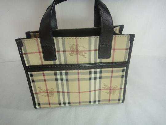 Burberry Tote in Brown Image 10