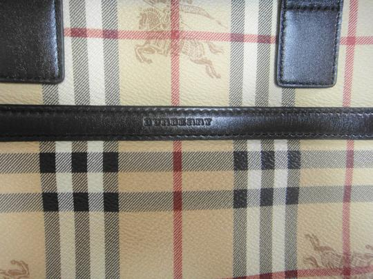 Burberry Tote in Brown Image 11