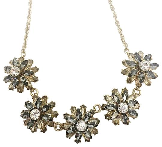 Preload https://img-static.tradesy.com/item/25618277/banana-republic-cubic-zirconia-flower-necklace-0-1-540-540.jpg