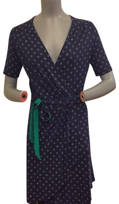 Preload https://img-static.tradesy.com/item/25618324/lilly-pulitzer-navy-blue-dotted-pattern-wrap-mid-length-short-casual-dress-size-6-s-0-1-650-650.jpg