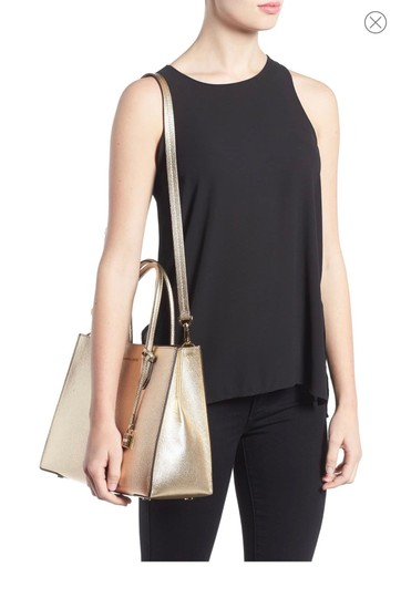 Michael Kors Tote in Pale Gold Image 4
