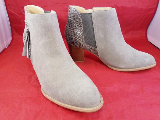 Vionic Orthaheel Woman Ankle Woman Size 9.5 BEIGE Boots Image 1