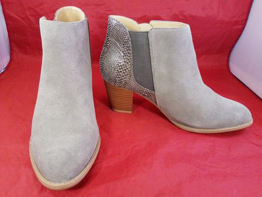 Vionic Orthaheel Woman Ankle Woman Size 9.5 BEIGE Boots Image 3
