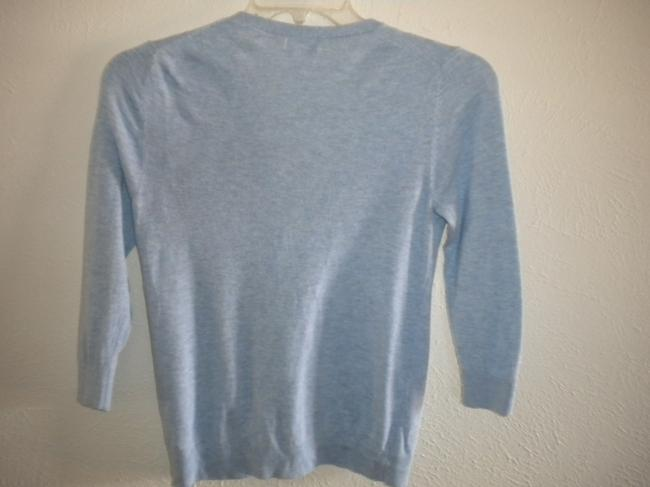 Old Navy Light Weight V Neck Button Front 3/4 Sleeve Sweater Image 2