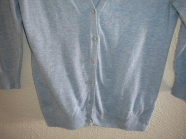 Old Navy Light Weight V Neck Button Front 3/4 Sleeve Sweater Image 3