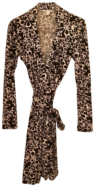 Preload https://img-static.tradesy.com/item/25618944/diane-von-furstenberg-black-and-white-new-jeanne-two-mid-length-night-out-dress-size-0-xs-0-1-650-650.jpg