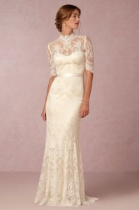 Catherine Deane for BHLDN Ivory / Cream Lace + Removable Satin Ribbon Bridgette Gown - Style #36104636 Feminine Wedding Dress Size 8 (M)