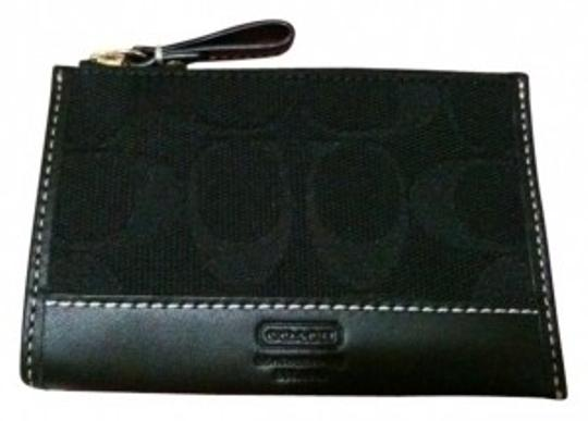 Preload https://item1.tradesy.com/images/coach-black-coin-purse-wallet-25620-0-0.jpg?width=440&height=440