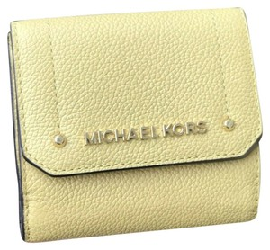 Michael Kors MICHAEL KORS PEBBLED LEATHER HAYES MD TRIFOLD COIN PURSE WALLET YELLOW