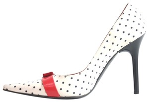 Casadei white Pumps