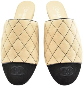 Chanel Quilted Quilted Slide Loafer Backless Flats Beige Black Mules