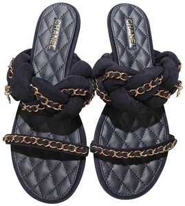 Chanel Sandals Chain Chain Chain Slide Flats Navy Blue Gold Mules