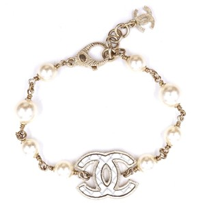 Chanel RARE CC Quilted resin inlay Pearl Gold Hardware Bracelet