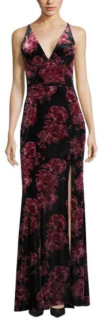 Item - Black/Red Velvet Floral-print Gown Black/Red Chronoarc Decadent V Long Formal Dress Size 4 (S)