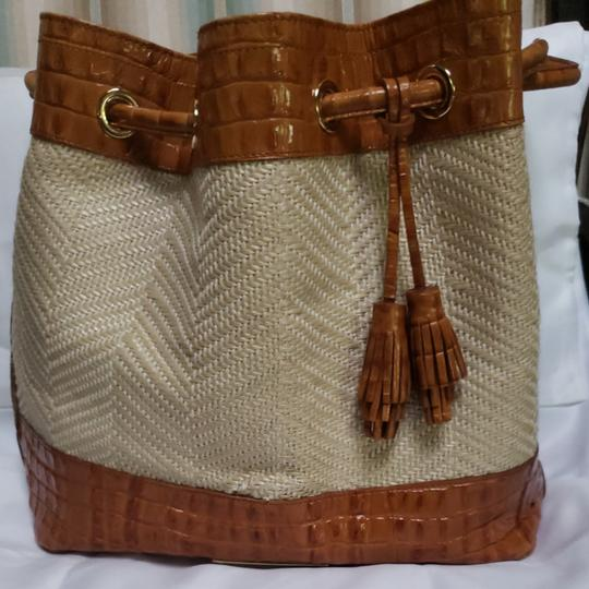 Preload https://item3.tradesy.com/images/brahmin-drawstringin-really-good-conditioncarried-only-a-very-few-times-leather-trim-shoulder-bag-25624627-0-0.jpg?width=440&height=440