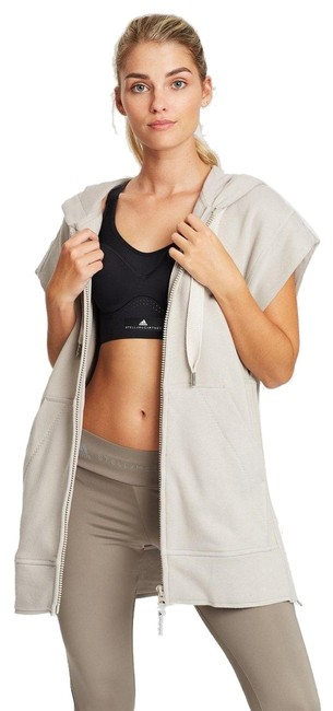 Item - Cream Performance Activewear Outerwear Size 6 (S)