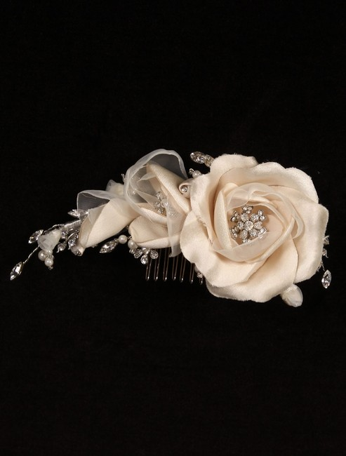 Item - Ivory and Silver 254-f Hair Accessory